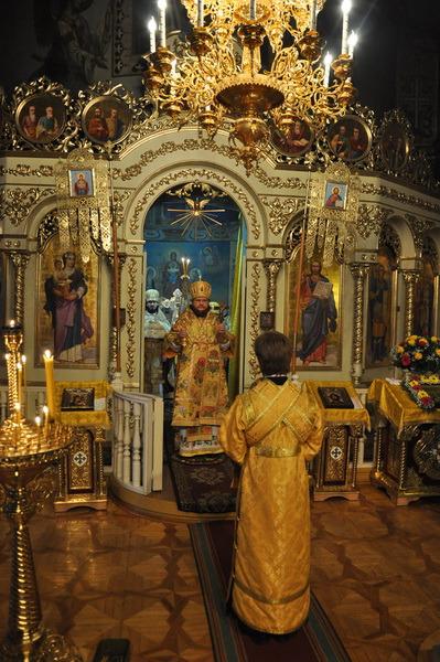 У Хрестовоздвиженському храмі на Подолі відзначили мале престольне свято і день тезоіменитства настоятеля