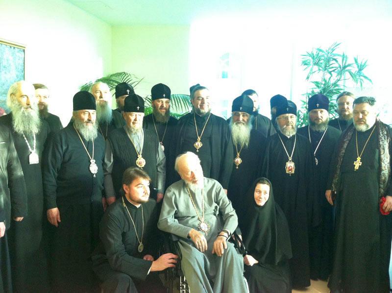 Керуючий Північним вікаріатством столиці єпископ Боярський Феодосій у складі групи архієреїв УПЦ відвідав Блаженнішого Митрополита Володимира в лікарні