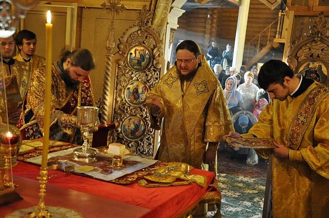 Епископ Боярский Феодосий возглавил богослужение престольного праздника в храме в честь святителя Иоасафа Белгородского