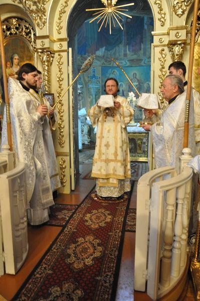 Епископ Боярский Феодосий совершил Литургию в Неделю по Рождестве Христовом