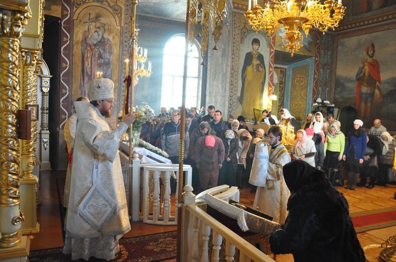 Епископ Боярский Феодосий совершил Божественную литургию в день Рождества Христова