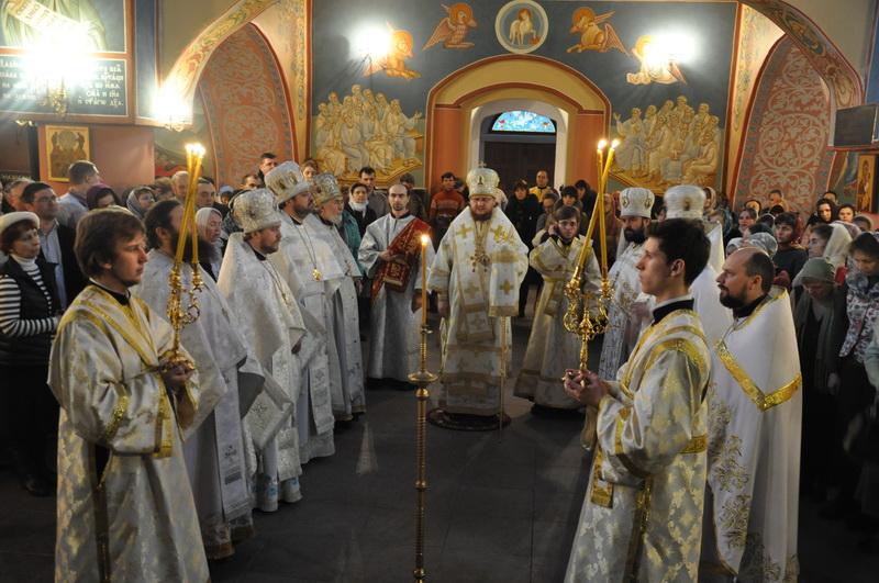 Єпископ Боярський Феодосій звершив Літургію в столичному храмі преподобного Агапіта Печерського