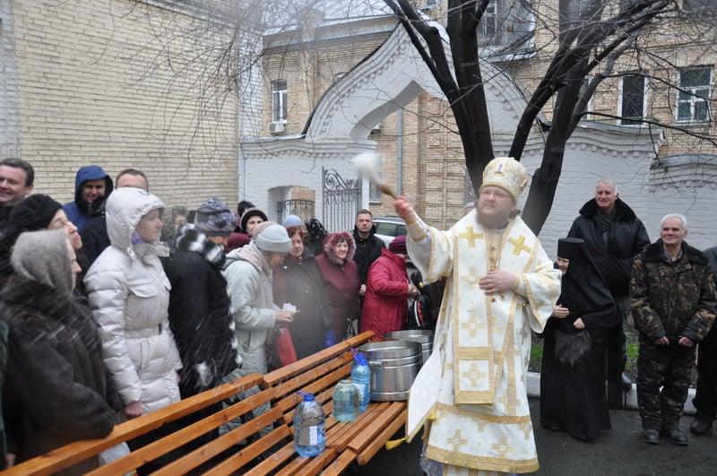 Епископ Боярский Феодосий совершил богослужение в Крещенский сочельник