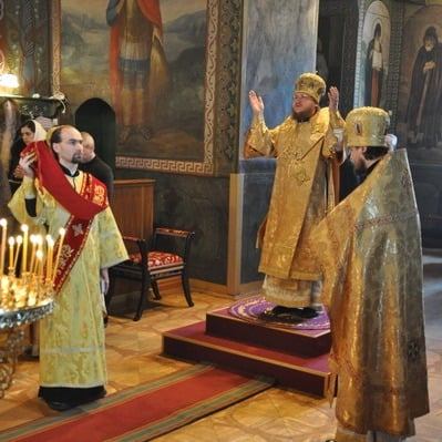 Епископ Боярский Феодосий совершил Литургию в Неделю о мытаре и фарисее