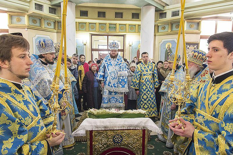 У свято Стрітення Господнього єпископ Боярський Феодосій очолив богослужіння в храмі на Оболоні