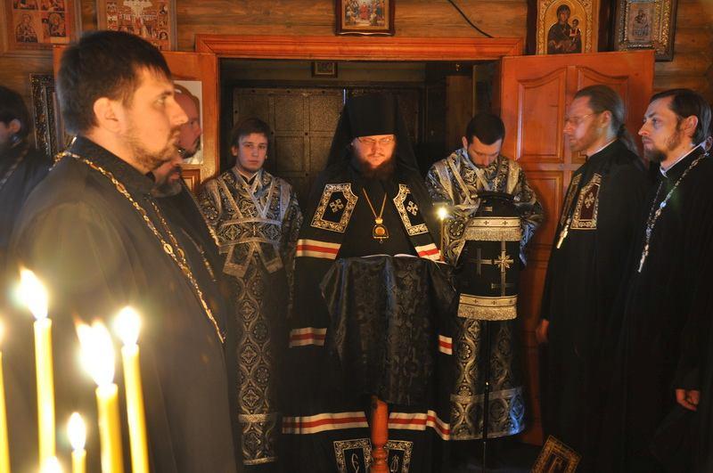 Єпископ Боярський Феодосій звершив читання Великого покаянного канону в Кладовищенському благочинні