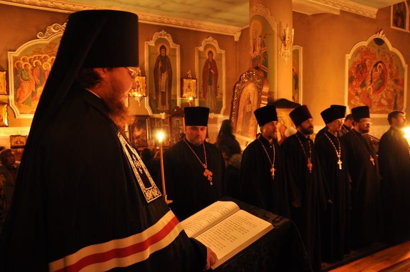 Єпископ Боярський Феодосій звершив читання другої частини Великого покаянного канону в Оболонському районі столиці