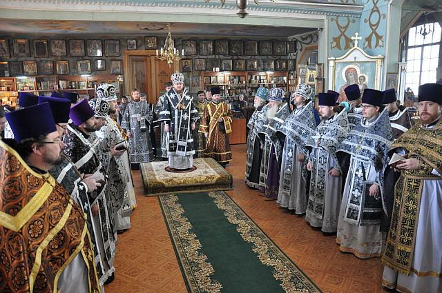 Відбулися соборна Літургія та спільне говіння духовенства Оболонського благочиння