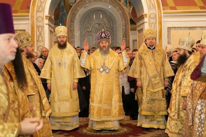 Епископ Боярский Феодосий сослужил Местоблюстителю Киевской митрополичьей кафедры в Успенском соборе Киево-Печерской Лавры