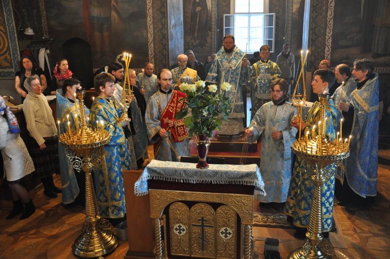 Епископ Боярский Феодосий совершил богослужение праздника Похвалы Пресвятой Богородицы