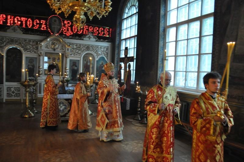 Епископ Боярский Феодосий совершил всенощное бдение Недели 4-й по Пасхе, о расслабленном
