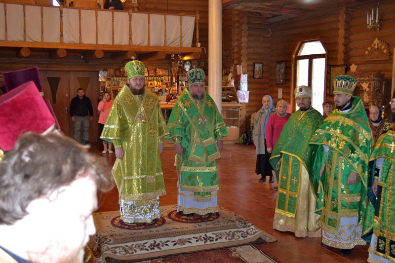 Єпископ Боярський Феодосій звершив Божественну літургію в храмі свт.Іоасафа Білгородського