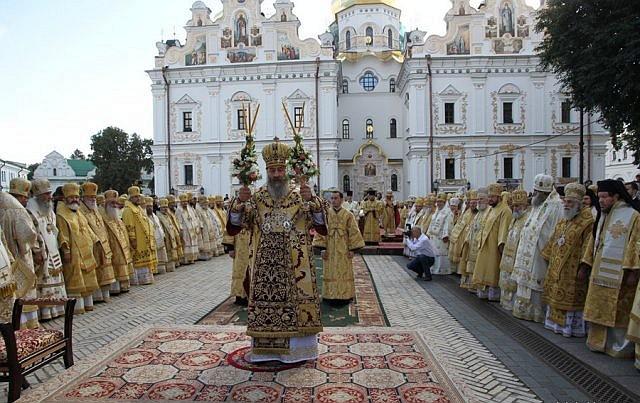 Епископ Боярский Феодосий принял участие в интронизации Митрополита Киевского и всея Украины Онуфрия