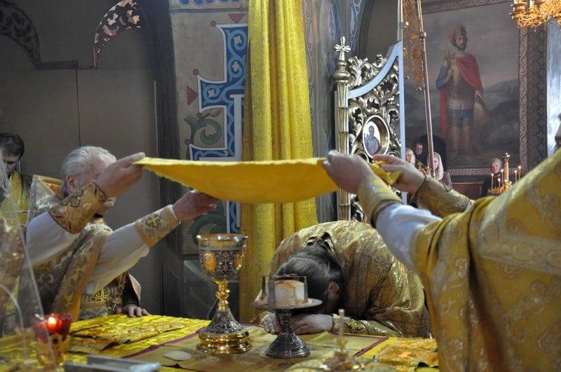 Епископ Боярский Феодосий совершил Литургию в Неделю 19-ю по Пятидесятнице