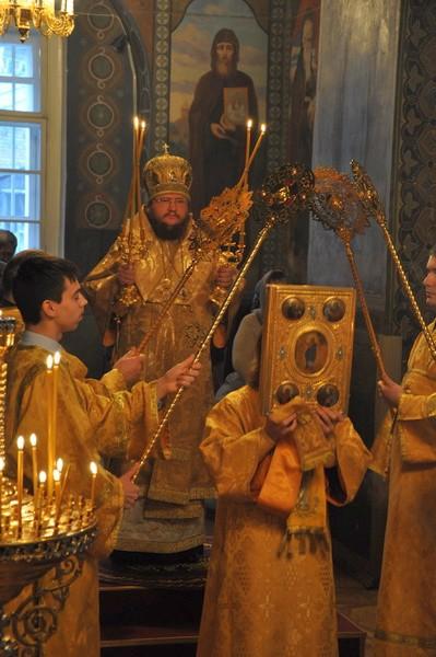 Епископ Боярский Феодосий совершил Литургию в Неделю 28-ю по Пятидесятнице