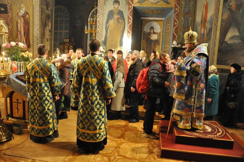 Епископ Боярский Феодосий совершил всенощное бдение накануне Недели 26-й по Пятидесятнице