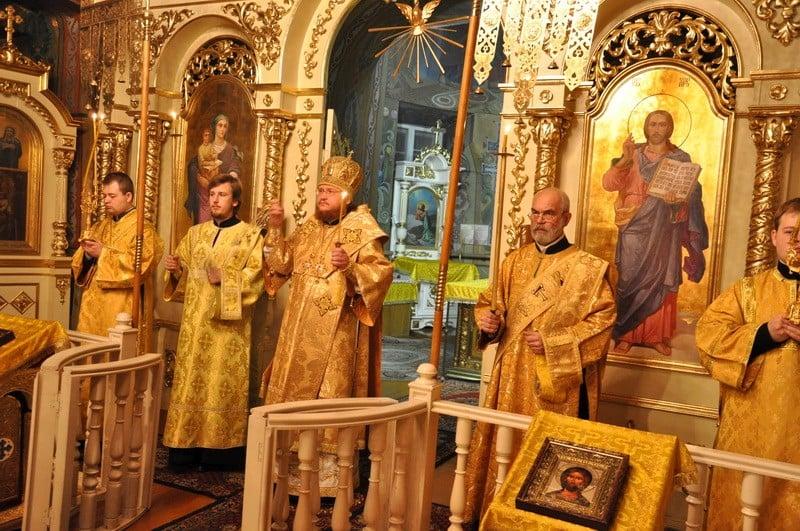 Єпископ Боярський Феодосій звершив всенічне бдіння напередодні Неділі 29-ї після П'ятидесятниці