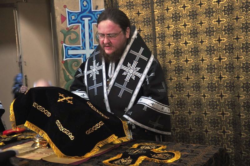 Єпископ Боярський Феодосій звершив літургію Передосвячених Дарів у Хрестовоздвиженському храмі на Подолі