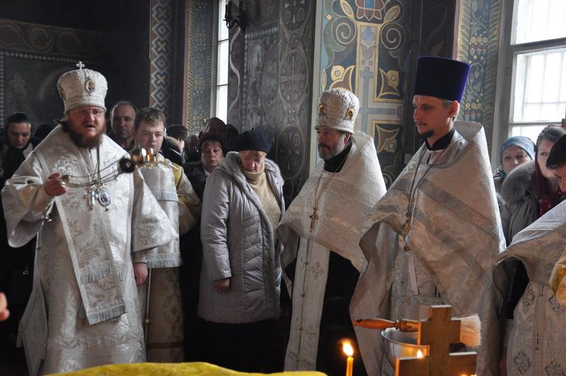 Єпископ Боярський Феодосій звершив Літургію в м'ясопусну батьківську суботу