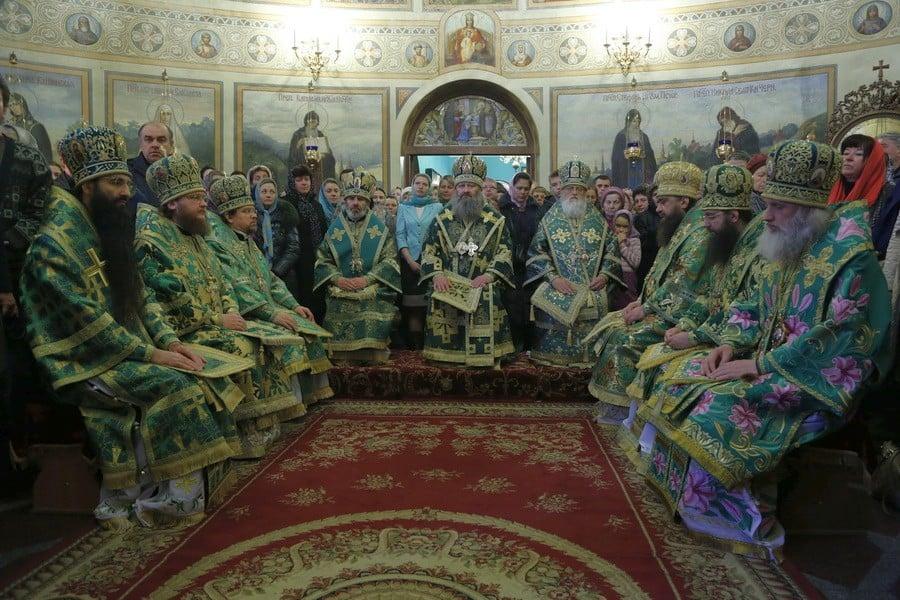 Епископ Боярский Феодосий сослужил собору архиереев в Введенской обители г.Киева