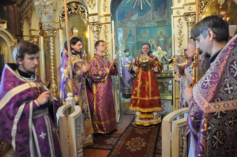 Єпископ Боярський Феодосій звершив Літургію в Неділю 3-ю Великого посту