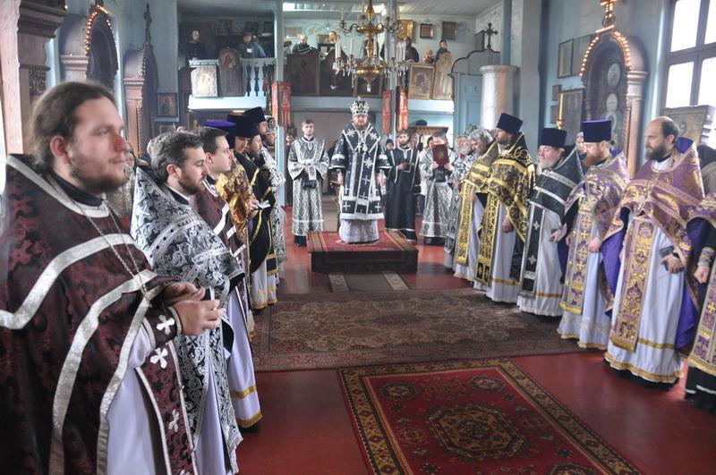 Відбулися соборна Літургія та спільне говіння духовенства першого Шевченківського благочиння