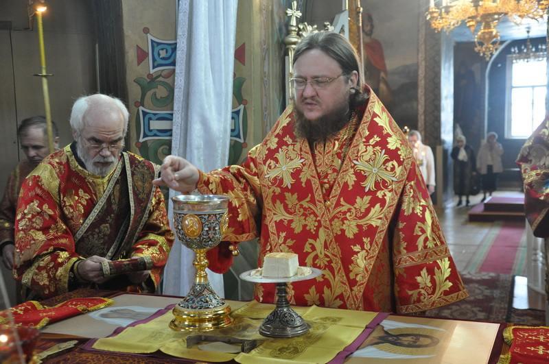Епископ Боярский Феодосий совершил Литургию в Светлый Вторник