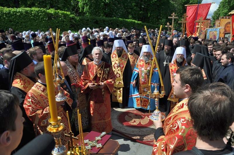 Епископ Боярский Феодосий принял участие в общей молитве по погибшим в Великой Отечественной войне