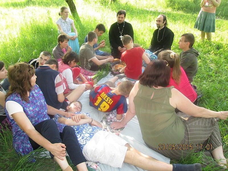 Состоялась очередная совместная волонтерская поездка киевских приходов к детям школы-интернат в с.Гришковцы