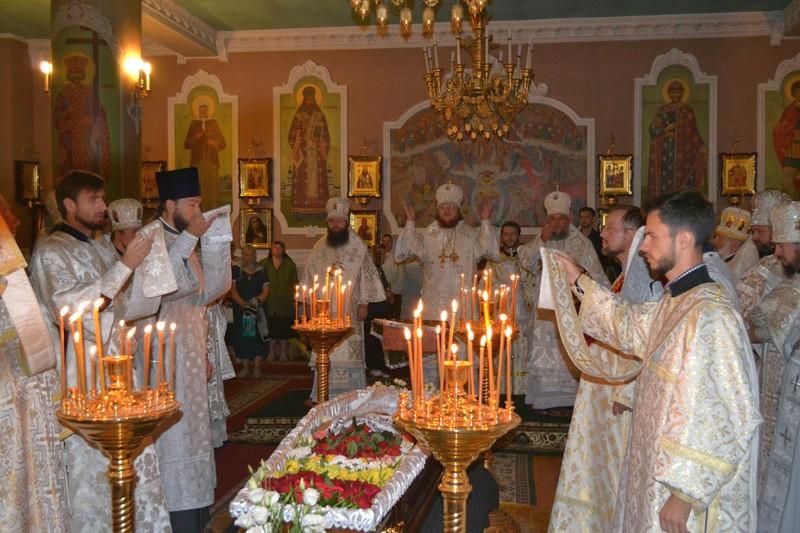 Епископ Боярский Феодосий возглавил отпевание новопреставленного иерея Романа Николаева