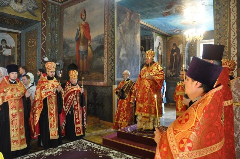 Єпископ Боярський Феодосій звершив всенічне бдіння напередодні Неділі 9-ї після П'ятидесятниці