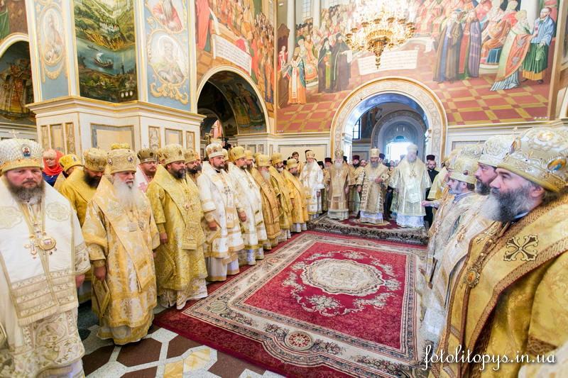 В годовщину интронизации Предстоятеля УПЦ епископ Боярский Феодосий принял участие в торжественной литургии в Киево-Печерской Лавре