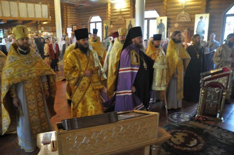 Єпископ Боярський Феодосій очолив богослужіння престольного свята в храмі свт.Іоасафа Білгородського