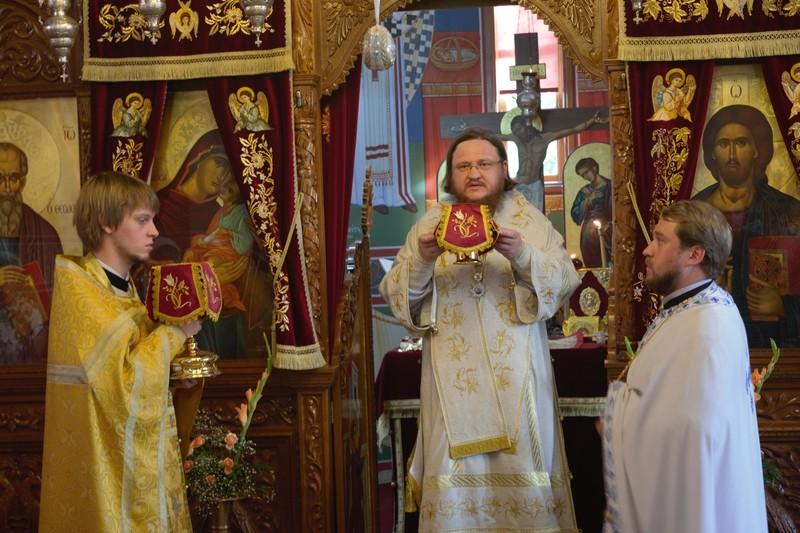 Епископ Боярский Феодосий совершил Литургию в русском православном приходе на Кипре