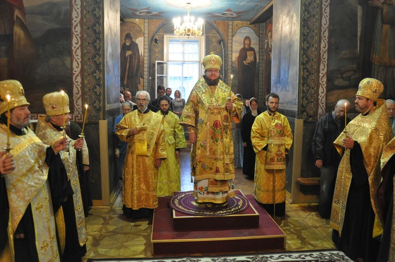 Епископ Боярский Феодосий совершил всенощное бдение накануне Недели 18-й по Пятидесятнице
