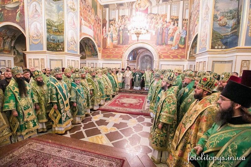В день празднования 400-летия Киевских духовных школ епископ Боярский Феодосий сослужил Предстоятелю УПЦ в Успенском соборе Киево-Печерской Лавры