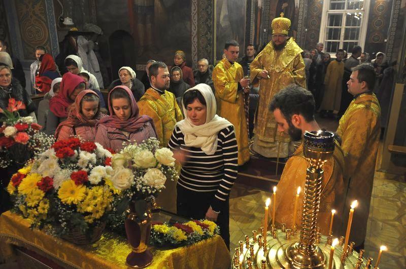 Епископ Боярский Феодосий совершил всенощное бдение накануне Недели 28-й по Пятидесятнице, дня памяти святого апостола Андрея Первозванного
