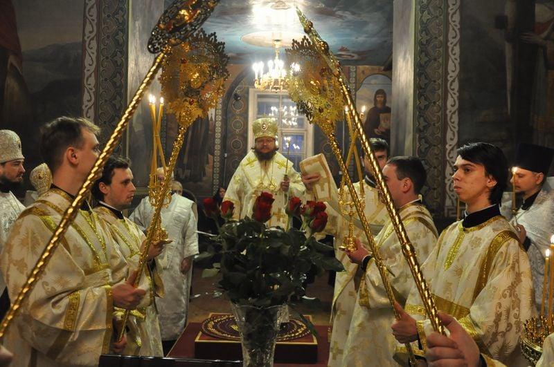 Епископ Боярский Феодосий совершил всенощное бдение накануне Недели 34-й по Пятидесятнице