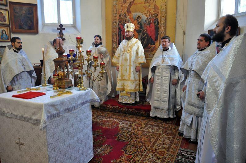 Єпископ Боярський Феодосій звершив Літургію в Петропавлівському храмі на Подолі