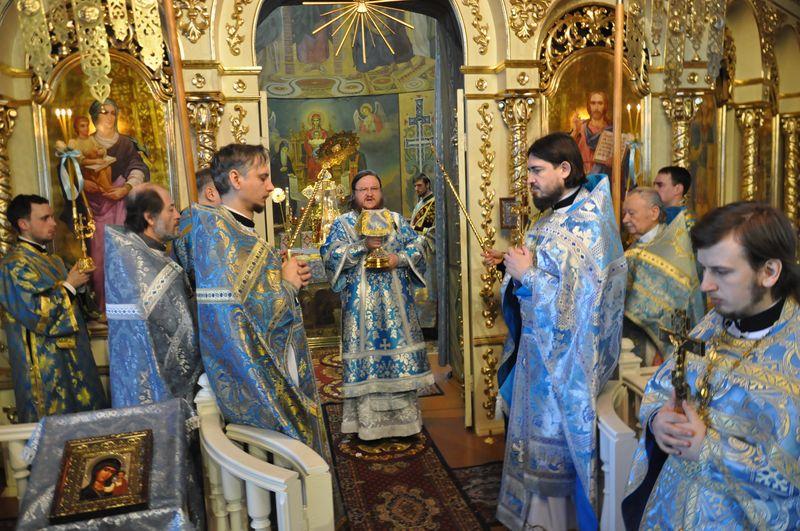 Епископ Боярский Феодосий совершил Божественную литургию в день праздника Сретения Господня
