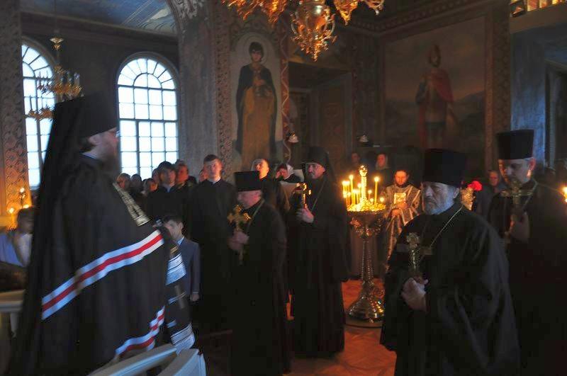 Єпископ Боярський Феодосій звершив вечірню з чином прощення у Хрестовоздвиженському храмі столиці