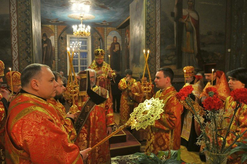 Єпископ Боярський Феодосій звершив вечірнє богослужіння напередодні свята обрітення глави Іоанна Предтечі
