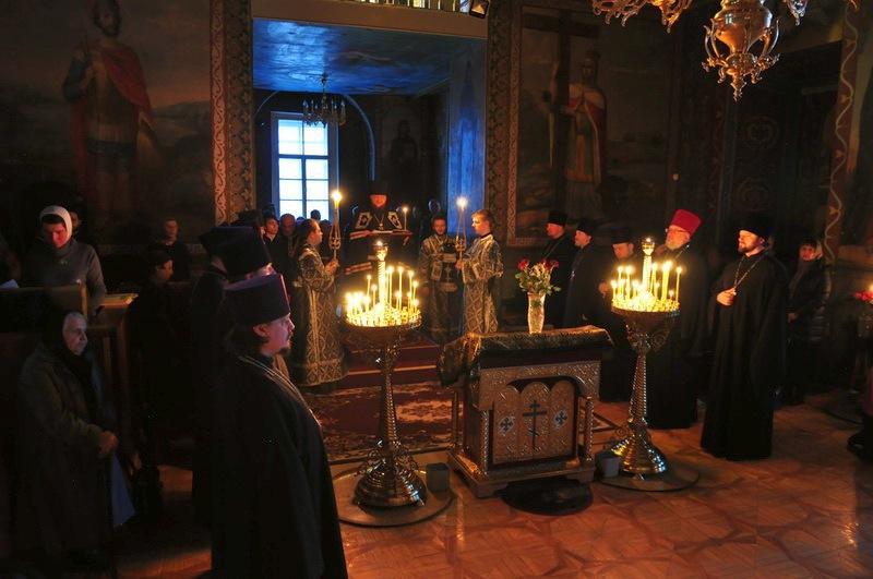 Епископ Боярский Феодосий совершил чтение Великого покаянного канона в сослужении духовенства Подольского района столицы