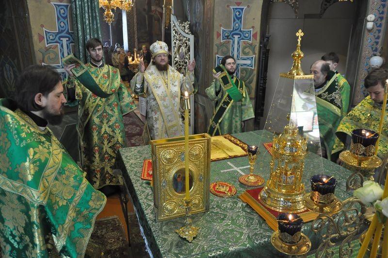 Єпископ Боярський Феодосій звершив Літургію в свято Входу Господнього в Єрусалим