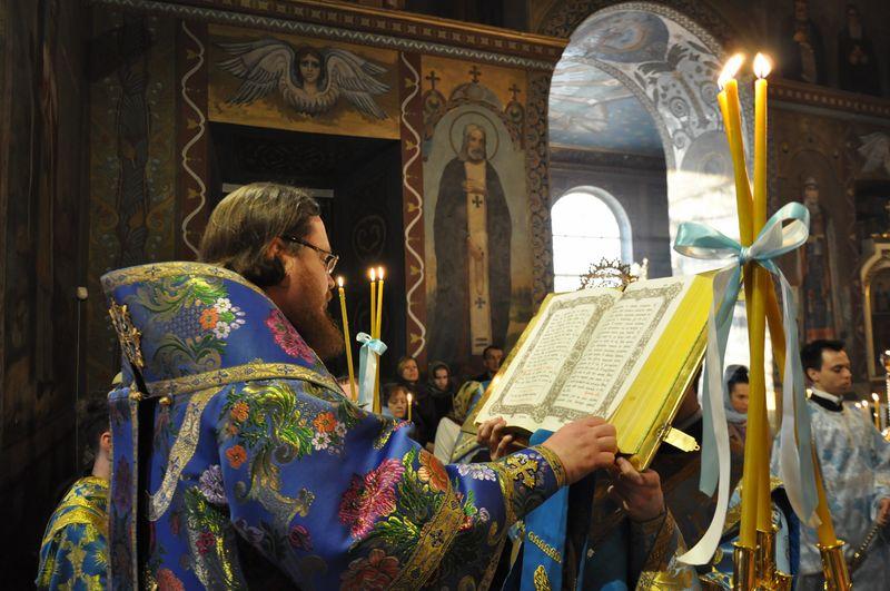 Єпископ Боярський Феодосій звершив всенічне бдіння напередодні Благовіщення Пресвятої Богородиці