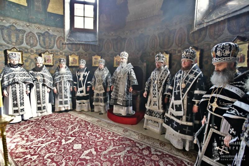 Єпископ Боярський Феодосій співслужив Предстоятелю у Трапезному храмі Києво-Печерської Лаври