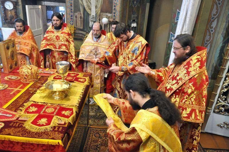 Єпископ Боярський Феодосій звершив Літургію у Світлу Середу