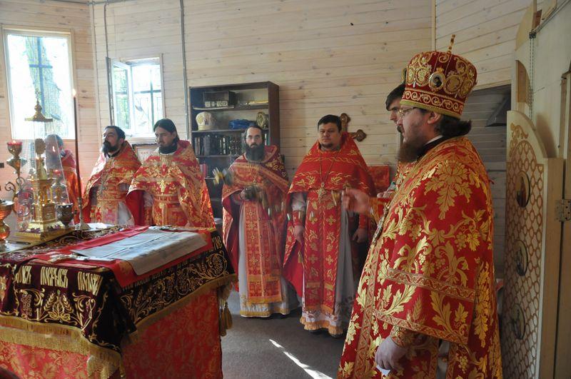 У День Перемоги єпископ Боярський Феодосій очолив Божественну літургію в храмі Бабиного Яру (+ВІДЕО)