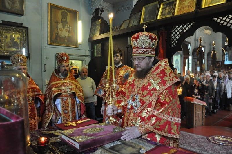 Єпископ Боярський Феодосій очолив богослужіння престольного свята в храмі священномученика Макарія Київського