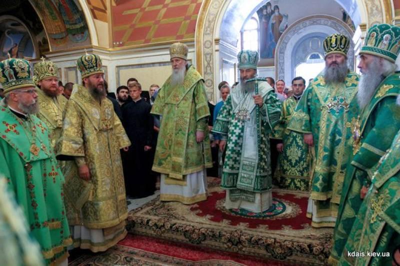 Єпископ Боярський Феодосій співслужив Предстоятелю за всенічним бдінням у Києво-Печерській Лаврі